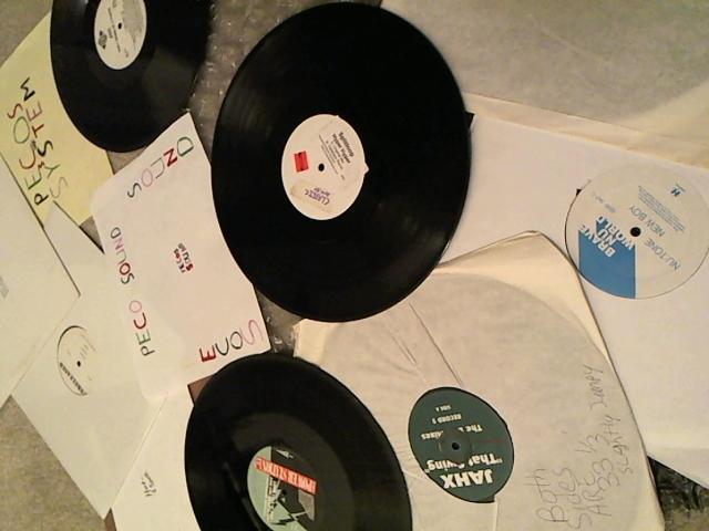 Hud-2 vinyl photos 3570