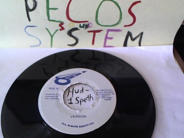 Hud-2 vinyl photos 682