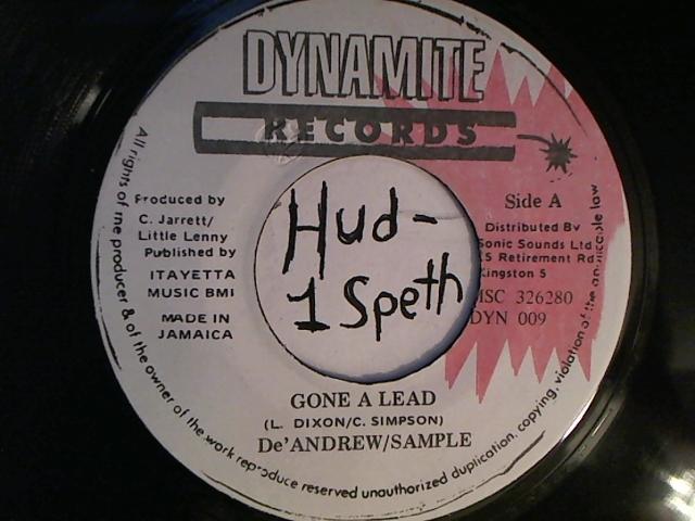 hud-2-vinyl-photos-2240